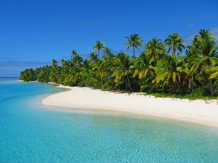 COOK ISLANDS Beautiful beach in One Foot Island, Aitutaki, Cook Islands