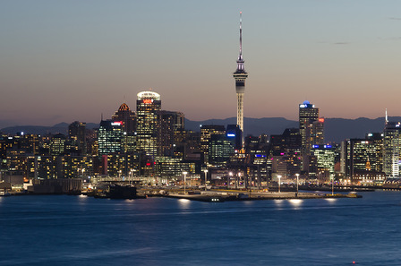 NEW-ZEALAND Aukland city at night