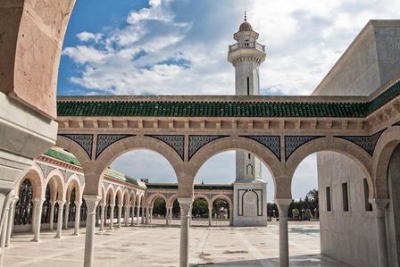 gold mausoleum moastir tunisia